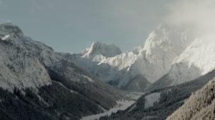 Falzthurntal valley in deep winter mid shot
