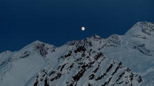 Full Moon over the Olperer close 1